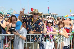Mac McAnally Performs On Stage At A Free Concert Held On The Beach In Front Resorts Maragaritaville In Atlantic City With Special Guest Jimmy Buffet: ATLANTIC CITY, NJ: Mac McAnally performs on stage at a free concert held on the beach in front Resorts Maragaritaville in Atlantic City with special guest Jimmy Buffet on Saturday June 15, 2013 Photo: Tom Briglia/PhotoGraphics  - Tom Briglia/PhotoGraphics