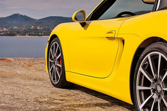 Bold Upgrades to the 2013 Porsche Boxster