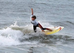Small surf, big fun at youth surfing contest in Atlantic City