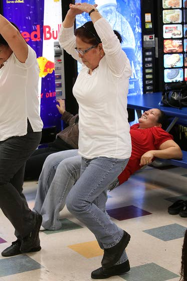A.C. Linen Supply workers compete to see who can shed most pounds