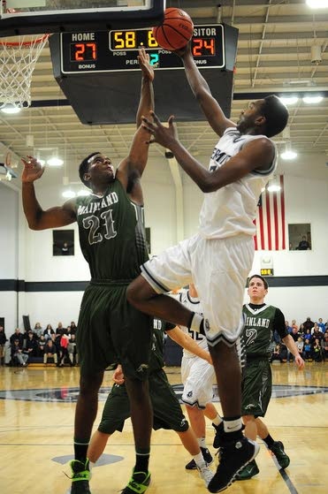 Sa'eed Nelson helps lift Hermits over Mustangs