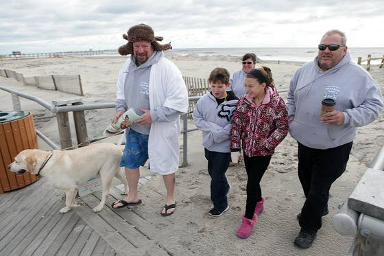 Some take Jan. 1 plunge in Ventnor to honor memory of family, friends