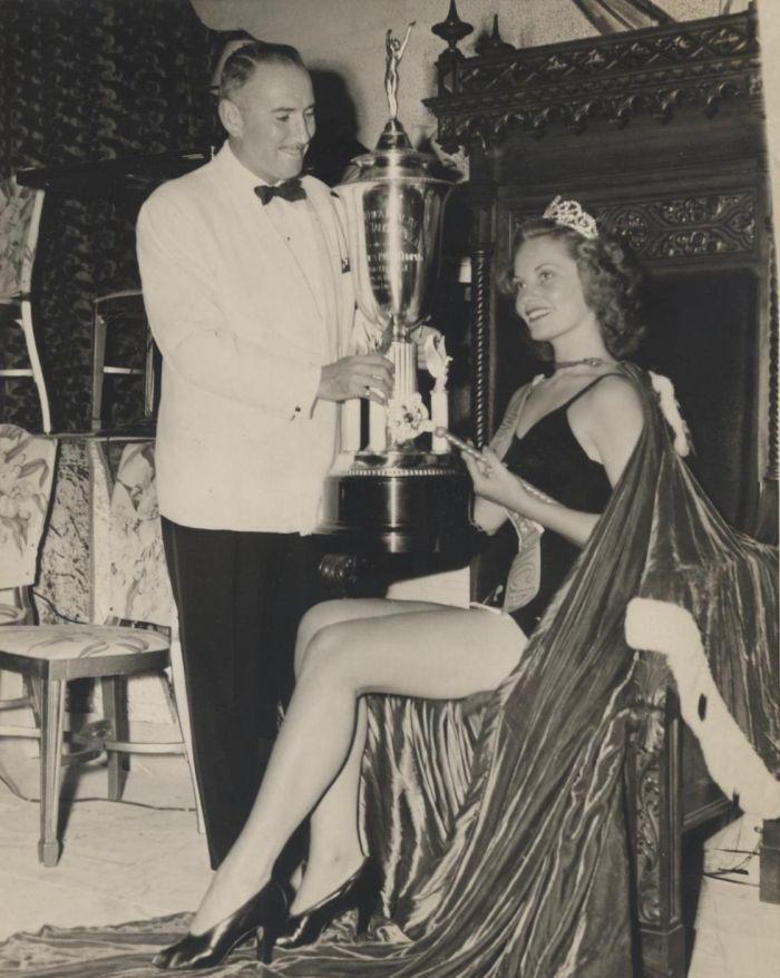 Miss America 1943 003.jpg