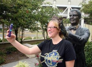 Miss A Returns: Samantha Painter, 25, of Missouri, takes a picture of herself in front of the Bert Parks statue at Sheraton Atlantic City. - Edward Lea