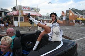 MISS NJ PARADE: Miss New Jersey parade on boardwalk in Ocean City Wednesday June 12, 2013.  - Edward Lea