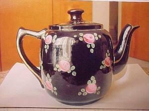 Vintage teapot aided Britain's war effort