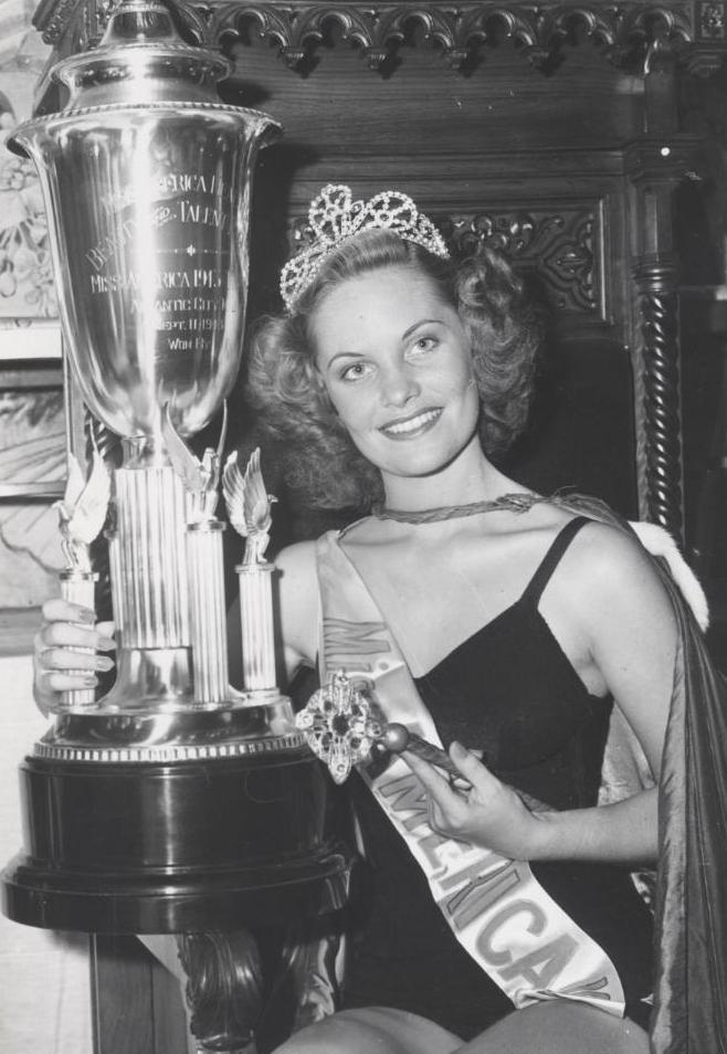 Miss America 1943 005.jpg