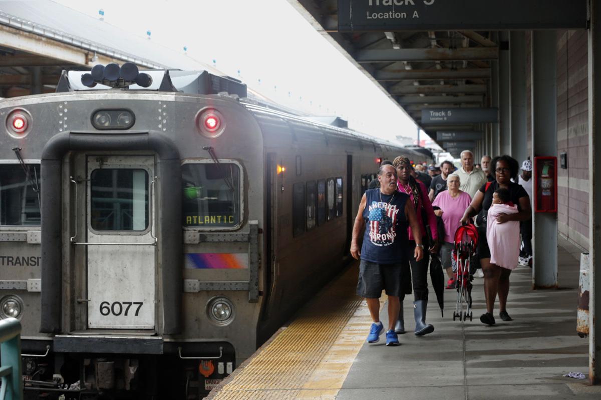 bus rail passengers criticize nj transit 39 s 9 percent fare increase breaking news. Black Bedroom Furniture Sets. Home Design Ideas