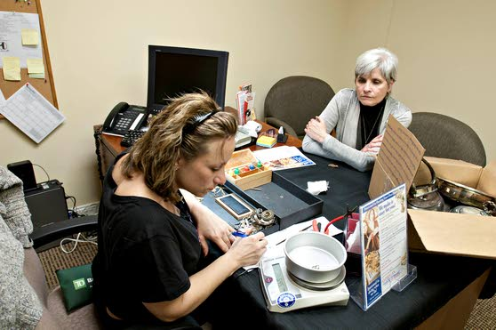 Gilda's Club jewelry appraisal event uses Midas touch to bring in funds