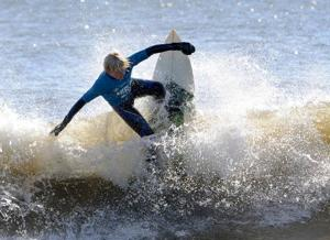 Winter coats and wet suits as high schools battle for conference title