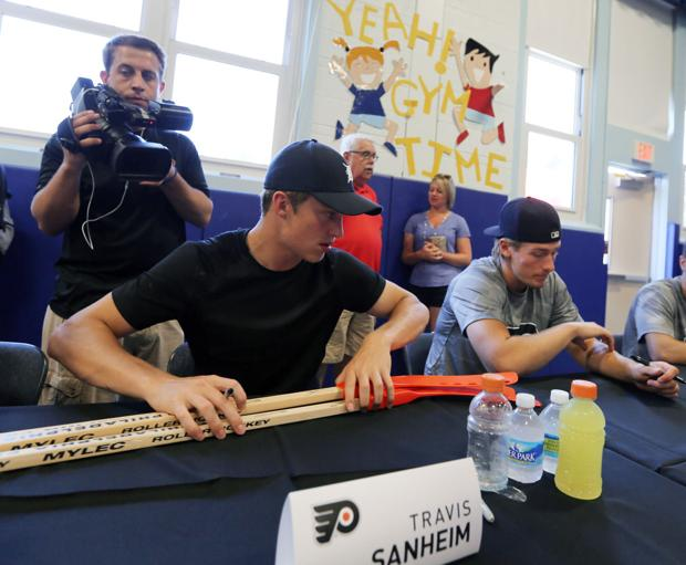 Flyers prospect Sanheim ready to turn pro, contend for roster spot