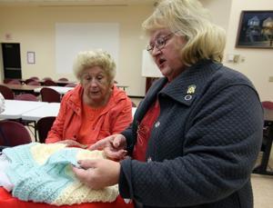 egap n14 knitting 112584301.jpg