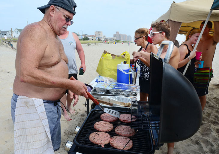 S02 Ventnor Beach BBQs