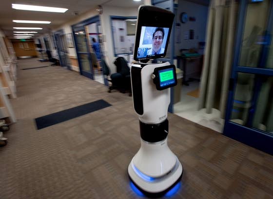 Medical robot lets doctors check on patients