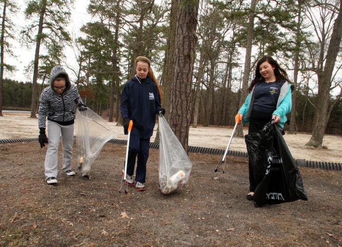 Hammonton Lake Park COMMUNITY CLEANUPS