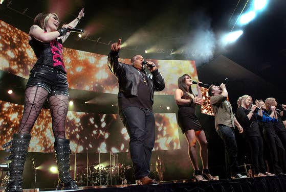 Top 10 American Idol finalists take stage at Trump Taj Mahal