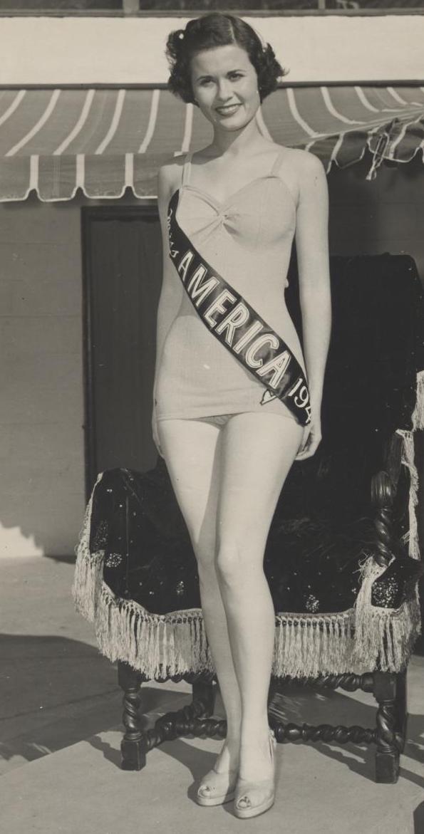 Miss America 1949 004.jpg