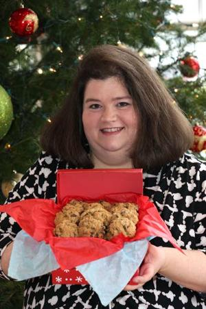 Mother continues family's cookie-making tradition