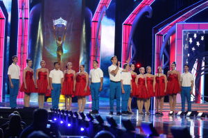 Miss America 2 PRELIMS: Choir from the Greater Ocean City Theatre Company perform