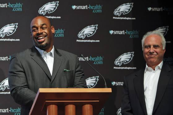 Fans divided on whether to retire McNabb's jersey