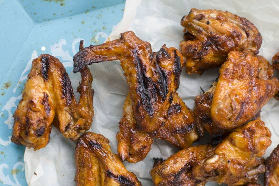Give Dad the gift of great-tasting wings, without the work