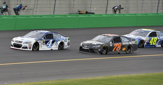Pit-road penalty contributes to Truex's 10th-place finish