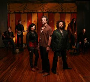 Rootheads AssembleRusted Root brings mix of music to Millville park