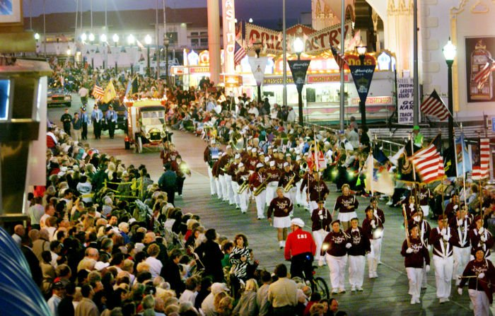 MISS2001 PARADE OVERVIEW