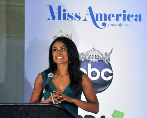 Leonard Pitts Jr. / Response to new Miss America shows our hypocrisy