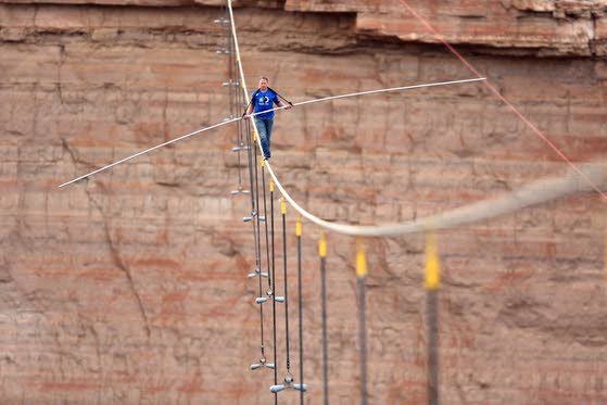 Nik Wallenda's Grand Canyon 'Skywire' ratings huge hit for Discovery network