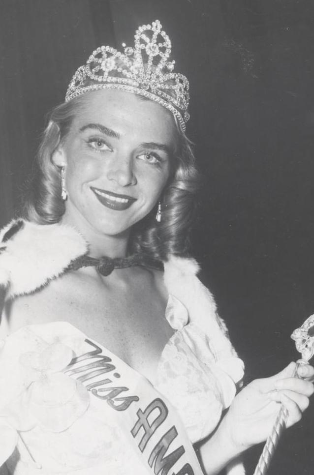 Miss America 1952 002.jpg