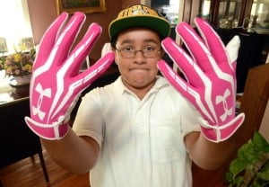 ehc pink gloves