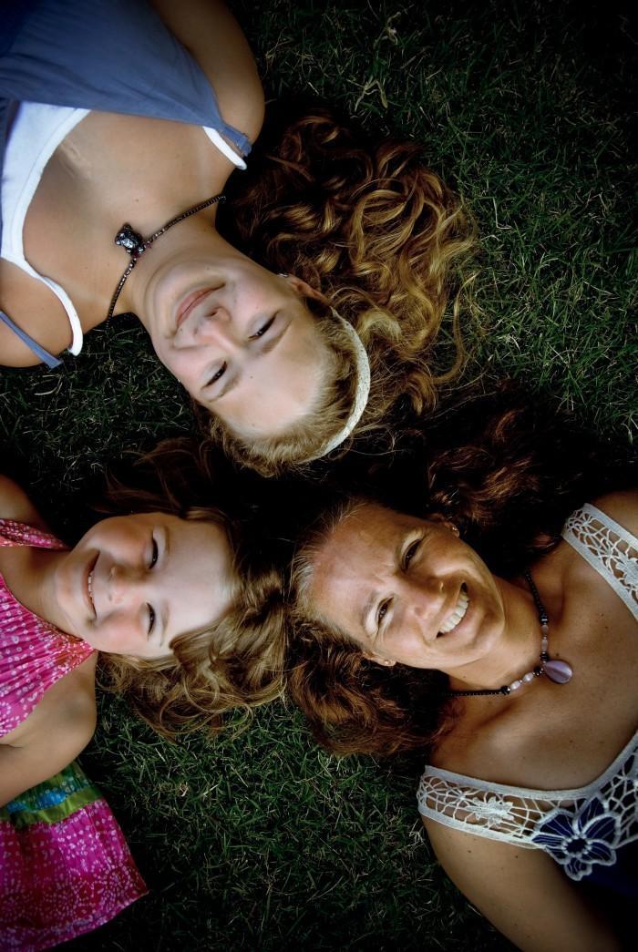 Lori Belber,with daughters Marisa and Morgan.