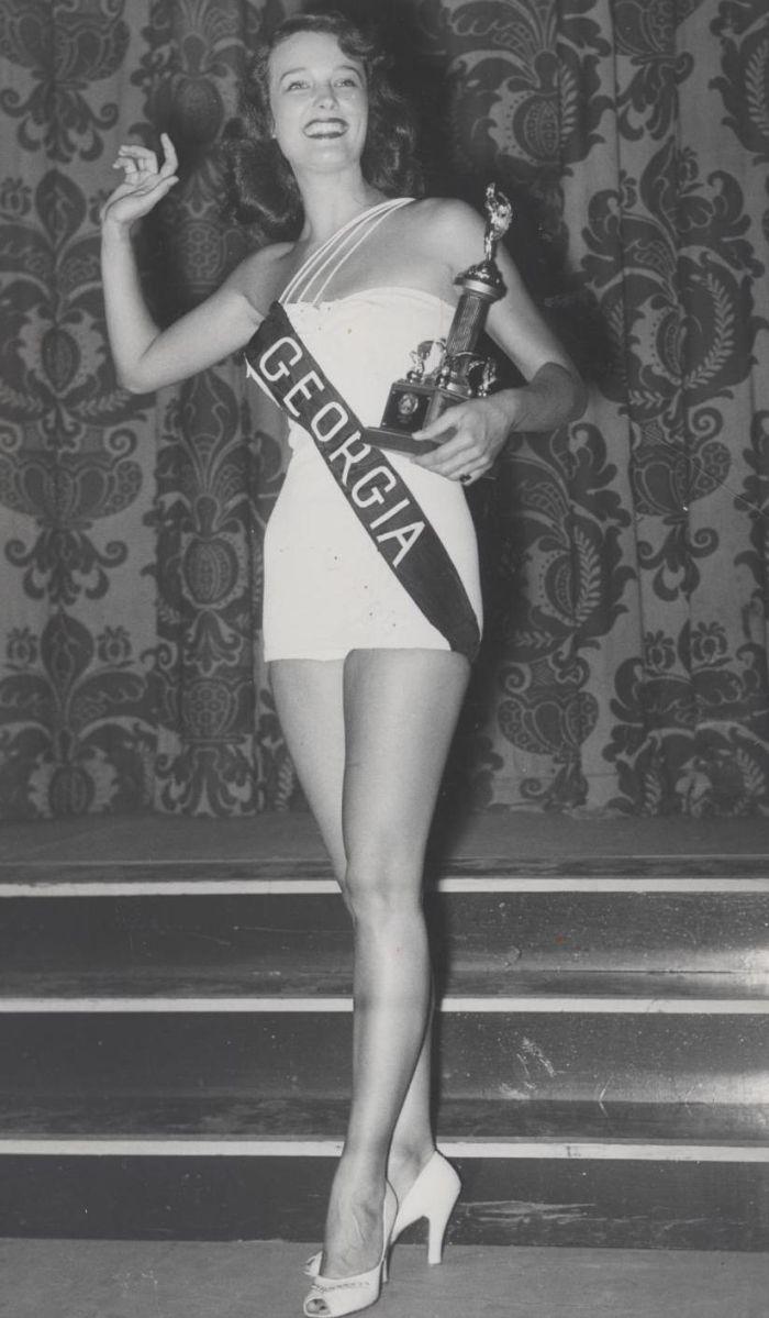 Miss America 1953 006.jpg