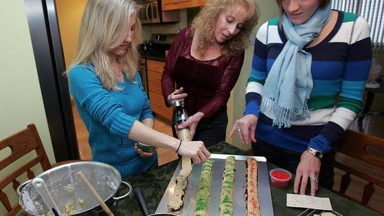 Legacy Recipes: Lore of the Christmas cookie: Aunt's recipe brings family together to learn of past and look to future