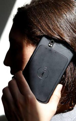 Tech Review: Dell Streak an awkward phone, a so-so tablet