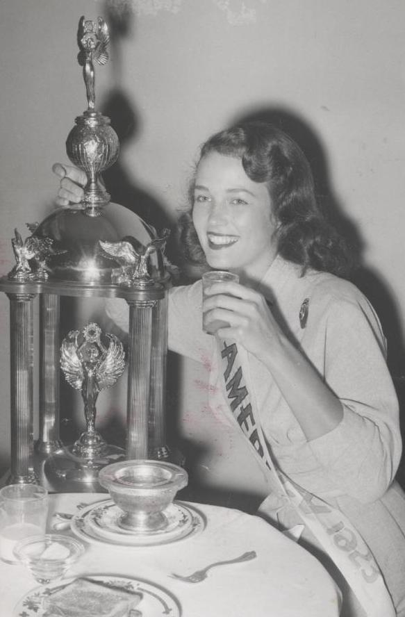 Miss America 1953 010.jpg