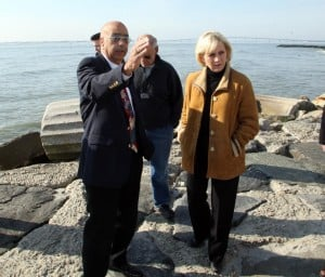 Lt. Gov.: Longport Mayor Nick Russo talks Friday with New Jersey Lt. Governor Kim Guadagno.  - Photo by Edward Lea