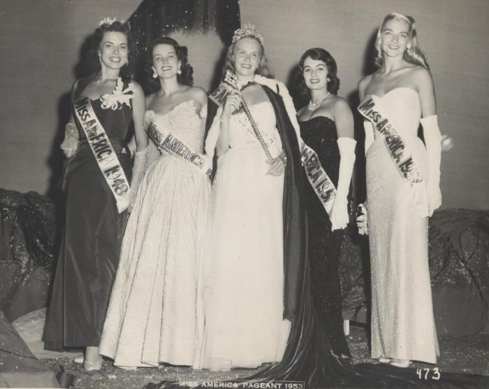 Miss America 1954 001.jpg