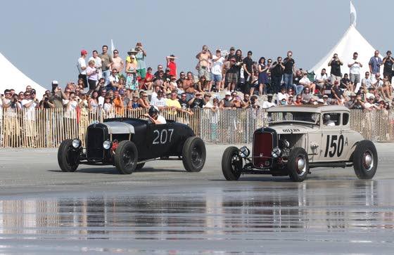 Wildwood beachgoers embrace old-time racing Old-school drag-racing on beach