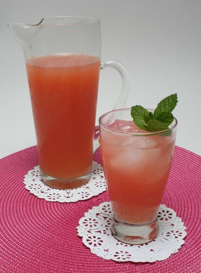 Try this rhubarb refresher as an alternative to lemonade