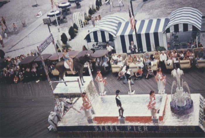 Miss America Parade mid-1950s 01.jpg