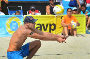AVP VOLLEYBALL FINALS: Phil Dalhausser sets up during the men's final. Sunday September 8 2013 AVP beach volleyball tournament in Atlantic City. (The Press of Atlantic City / Ben Fogletto) - Ben Fogletto
