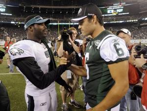 Eagles looking at ex-Jets QB Mark Sanchez