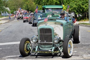Memorial Day Parade S. Point: Ed Baltera, of Galloway Township, drives his 1932 Ford Hiboy Roadster, Monday May 27, 2013, during the Somers Point Memorial Day parade. (The Press of Atlantic City/Staff Photo by Michael Ein)  - Michael Ein