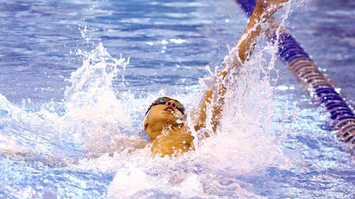 Oakcrest vs. Haddonfield in South Jersey boys swimming final