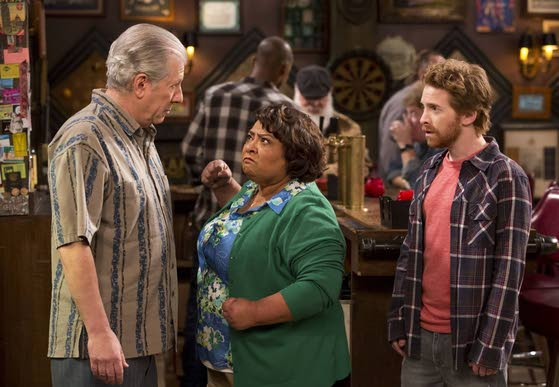 'Dads' sitcom may hold onto its spot in Fox family
