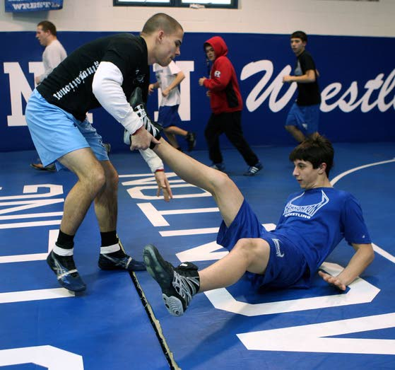 Hammonton wrestler Stephen Struble makes selfless decision, stepping aside with Mike Bakuckas back from injury