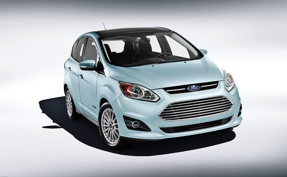 Ford Hybrid Hatch Gets 47/47 MPG