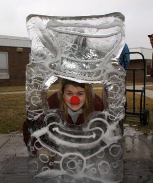 cape f20 Krista_clown face 114565195.jpg